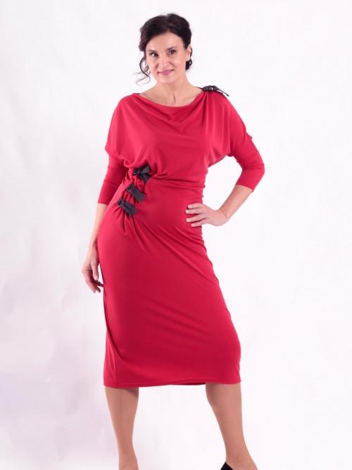a2c2b06a495 Šaty s pásky dlouhé červené